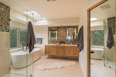 Luxurious and Fully Remodeled Master Bathroom